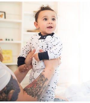 Twinkle Bee Star Print Organic Baby Zip Front Snug Fit Footed Pajamas